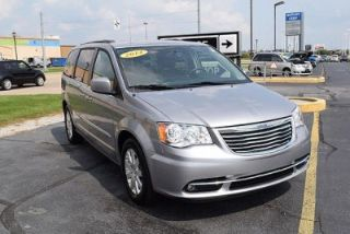 Used 2014 Chrysler Town & Country Touring in Mishawaka, Indiana