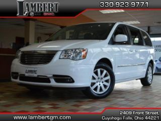 Used 2015 Chrysler Town & Country Touring in Cuyahoga Falls, Ohio