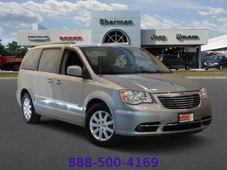 Used 2015 Chrysler Town & Country Touring in Skokie, Illinois