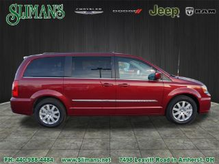 Used 2015 Chrysler Town & Country Touring in Amherst, Ohio