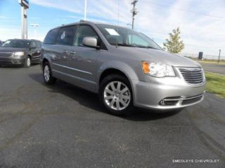 Used 2015 Chrysler Town & Country Touring in Vandalia, Ohio