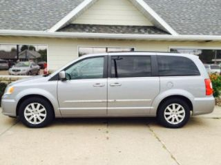 Used 2014 Chrysler Town & Country Touring in Kearney, Nebraska