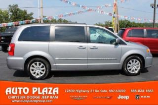 Used 2014 Chrysler Town & Country Touring in De Soto, Missouri