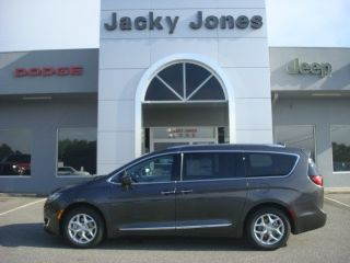 Used 2018 Chrysler Pacifica Touring-L in Hayesville, North Carolina