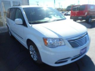 Used 2014 Chrysler Town & Country Touring in Green Bay, Wisconsin