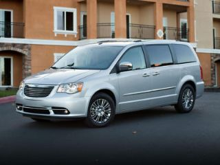 Used 2013 Chrysler Town & Country Touring in Bluffton, Indiana