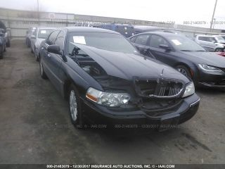 Used 2011 Lincoln Town Car Signature Limited In Houston Texas