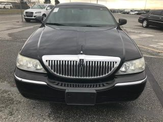 Used 2011 Lincoln Town Car Signature Limited In Staten Island New York