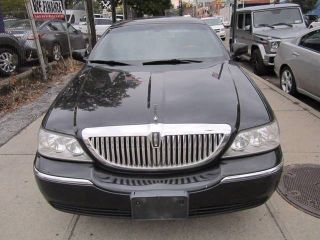Used 2011 Lincoln Town Car Signature Limited In Long Island City