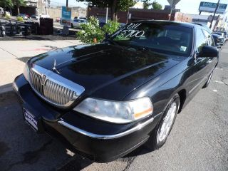 Used 2010 Lincoln Town Car Signature Limited In Newark New Jersey