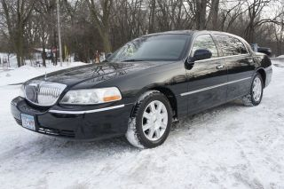 Used 2011 Lincoln Town Car Executive L In Maplewood Minnesota