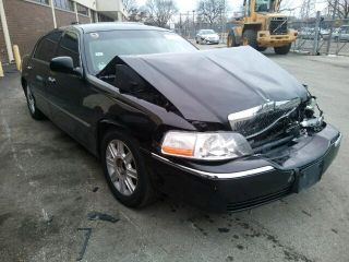 Used 2011 Lincoln Town Car Executive L In Wheeling Illinois
