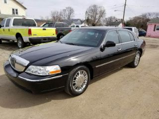 Used 2010 Lincoln Town Car Signature L In Lancaster Ohio