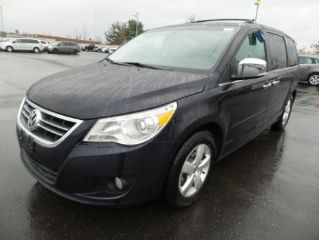 Used 2010 Volkswagen Routan SEL Premium in Hartford, Connecticut