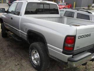Dodge Ram 2500 SLT 2002
