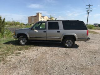 Used 1998 GMC Suburban 2500 in Cresson, Texas