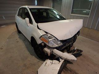 Nissan Versa S 2009