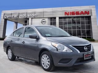 Nissan Versa S Plus 2018
