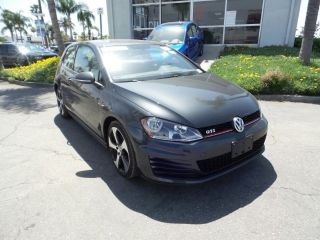 Volkswagen Golf S 2015