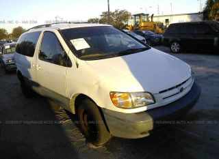 Toyota Sienna CE 2000