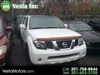 Nissan Pathfinder XE 2005
