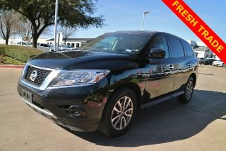 Used 2013 Nissan Pathfinder S In Arlington, Texas. Price: $11900
