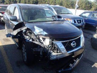 Nissan Pathfinder S 2013
