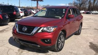 Used 2017 Nissan Pathfinder S in Chicago, Illinois