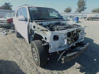 Toyota Sequoia SR5 2004