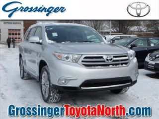 Used 2013 Toyota Highlander Limited in Greenvale, New York