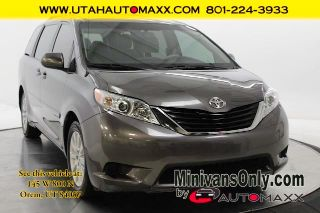 Toyota Sienna LE 2013