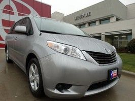 Used 2014 Toyota Sienna LE in Lewisville, Texas