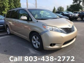 Toyota Sienna LE 2011