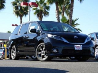 Used 2015 Toyota Sienna SE in Huntington Beach, California
