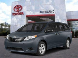 Used 2015 Toyota Sienna XLE in Middletown, Rhode Island