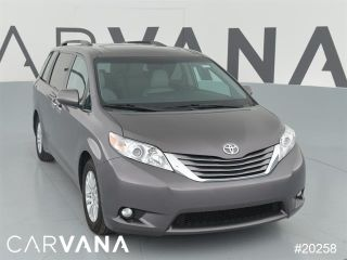 Used 2016 Toyota Sienna XLE in Frisco, Texas