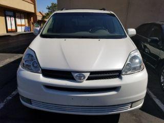 Toyota Sienna XLE 2005