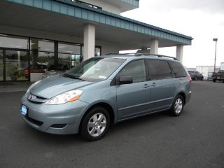 Toyota Sienna LE 2006