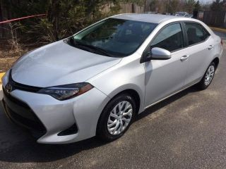 Used 2018 Toyota Corolla LE in Chantilly, Virginia