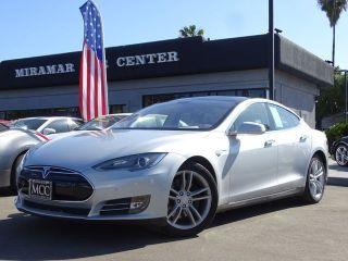 Tesla Model S Signature 2012