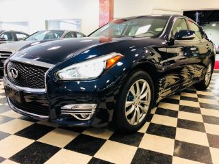 Used 2015 Infiniti Q70 in Syosset, New York