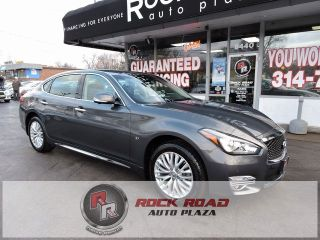 Used 2015 Infiniti Q70 in Saint Louis, Missouri