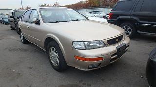 Nissan Maxima GLE 1995