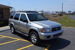 Nissan Pathfinder LE 2002