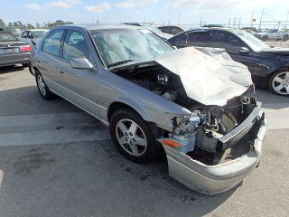 Toyota Camry CE 2001