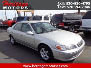 Toyota Camry LE 2000