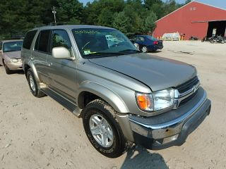 Used 2002 Toyota 4Runner SR5 in Mendon, Massachusetts