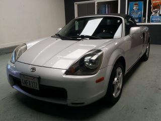 Toyota MR2 Spyder Base 2000