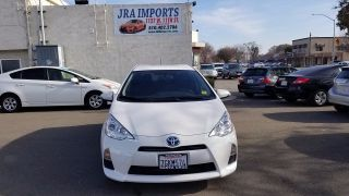 Toyota Prius c Two 2014