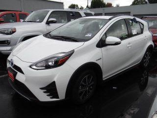 Toyota Prius c Four 2018